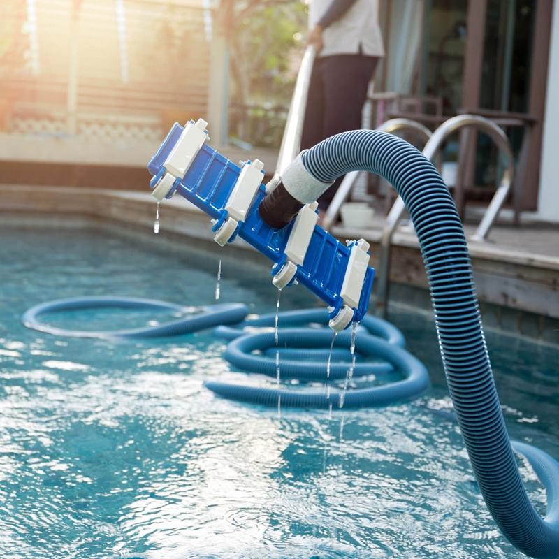 7 Dicas de Limpeza para Fazer na Sua Piscina Depois de uma Chuva